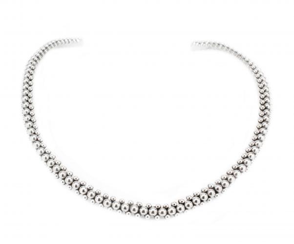 Silver Bead Design Collar