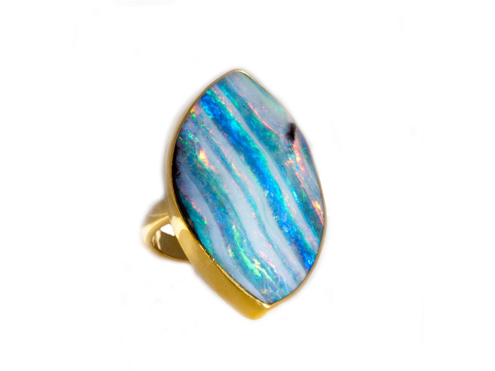 Ribbon Opal Gold Ring