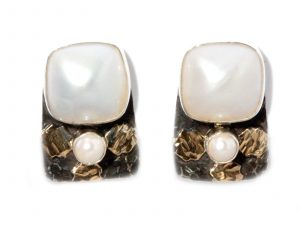 Pearl Clip-on