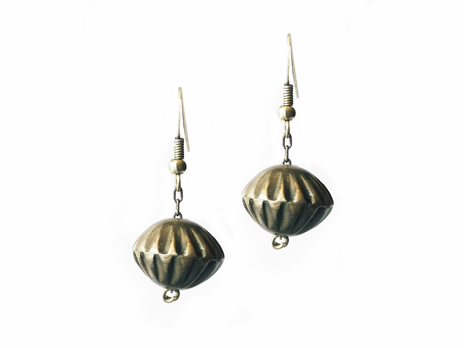 Fluted Navajo Pearl Earrings