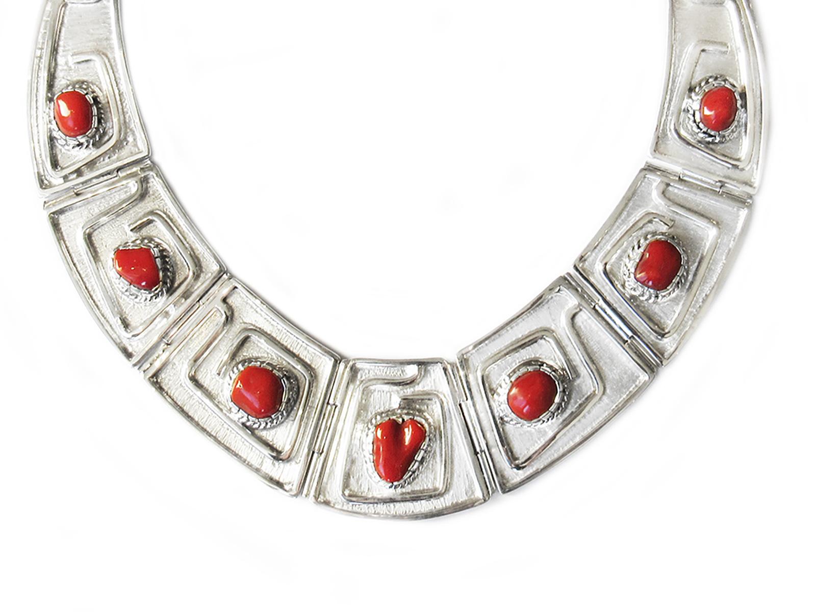 7 Stone Coral Collar