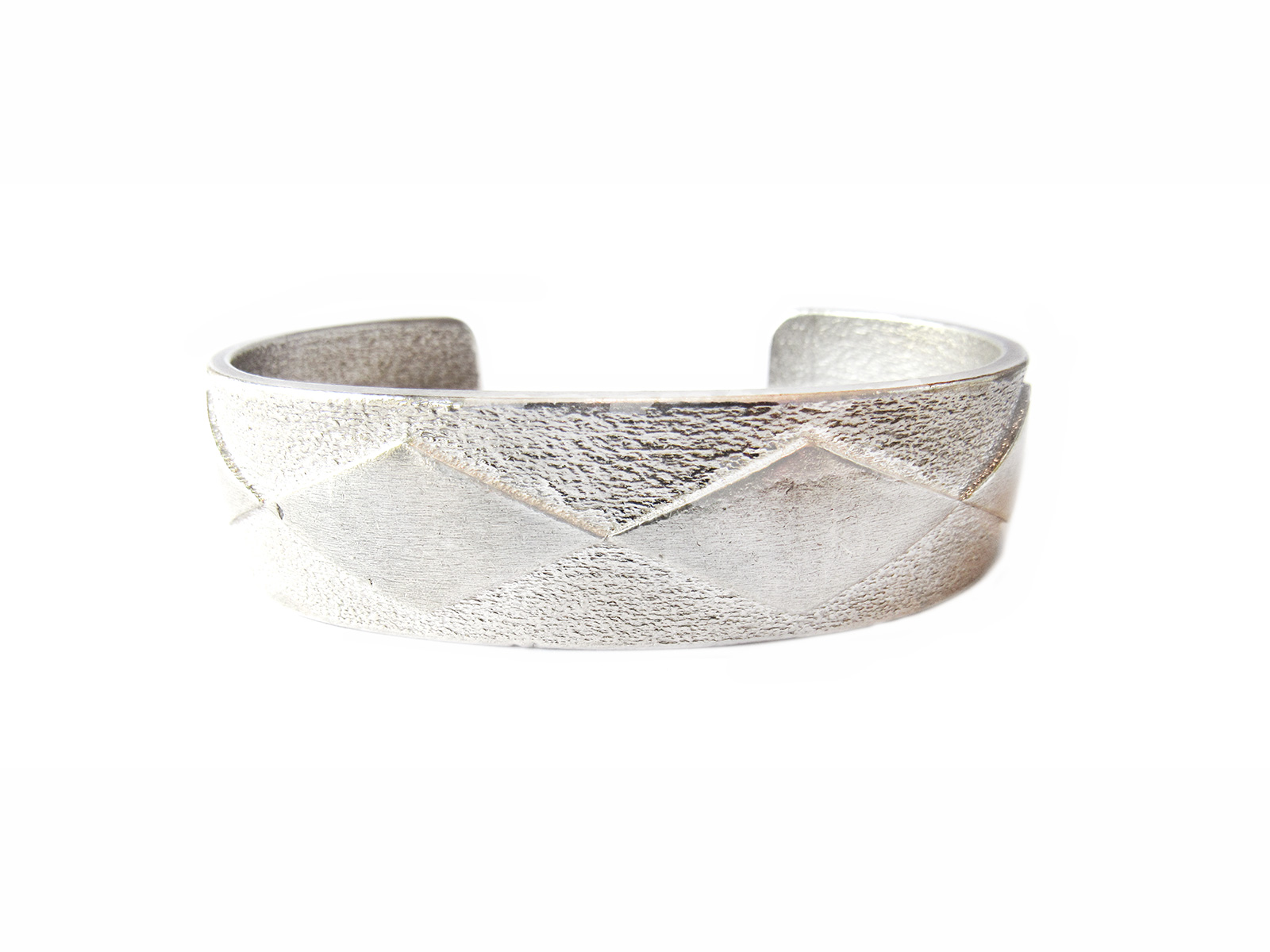 Silver Diamond Pattern Bracelet