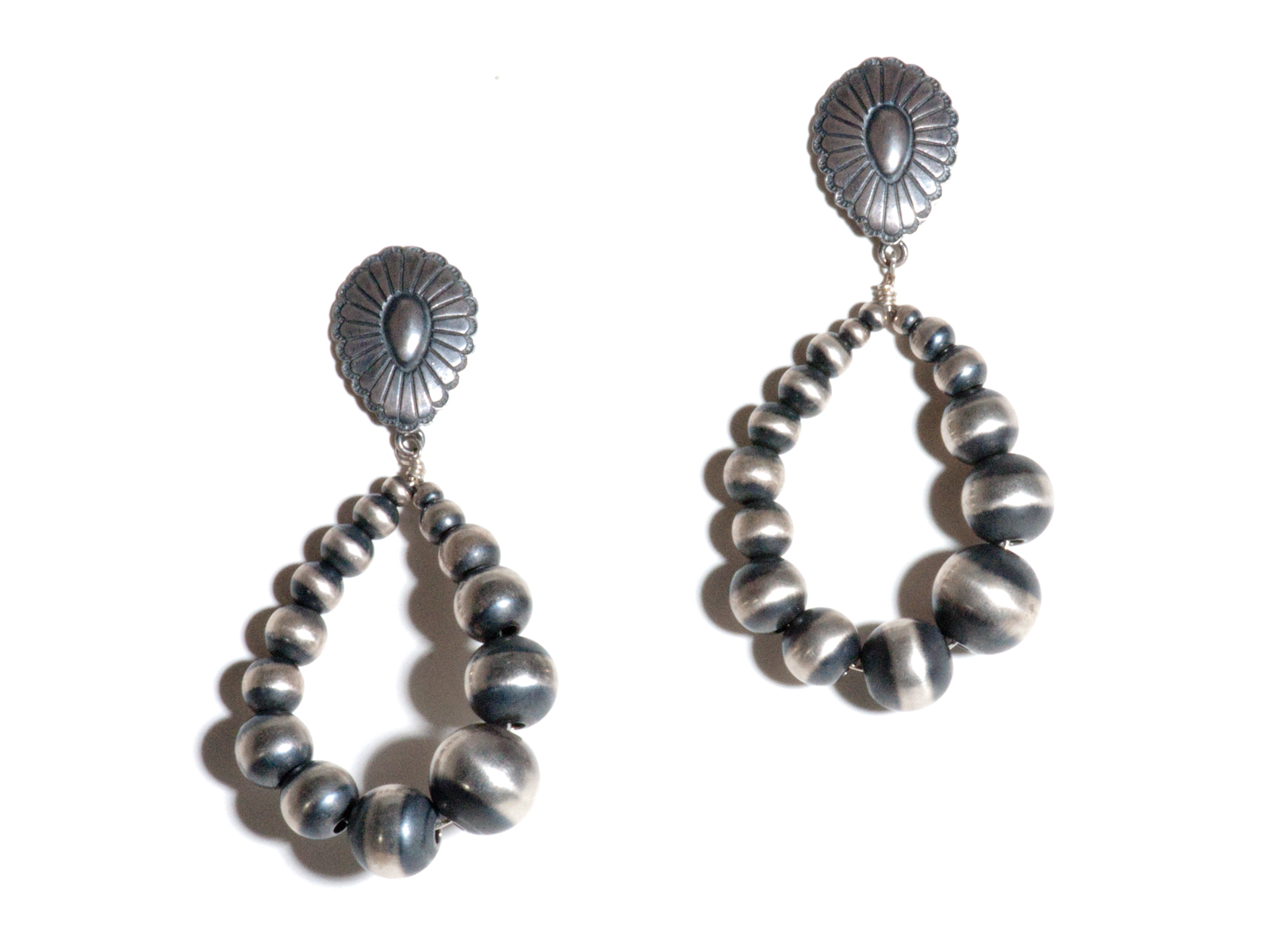 Navajo Pearl Dangle Earring