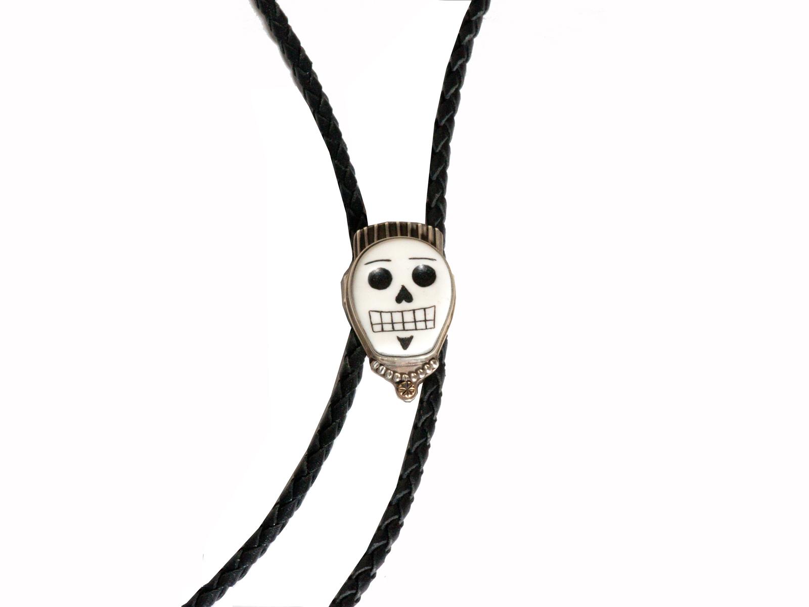 Skull Bolo