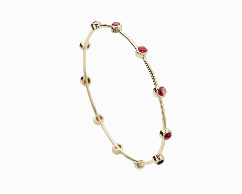 18k Gold Garnet Bangle Bracelet