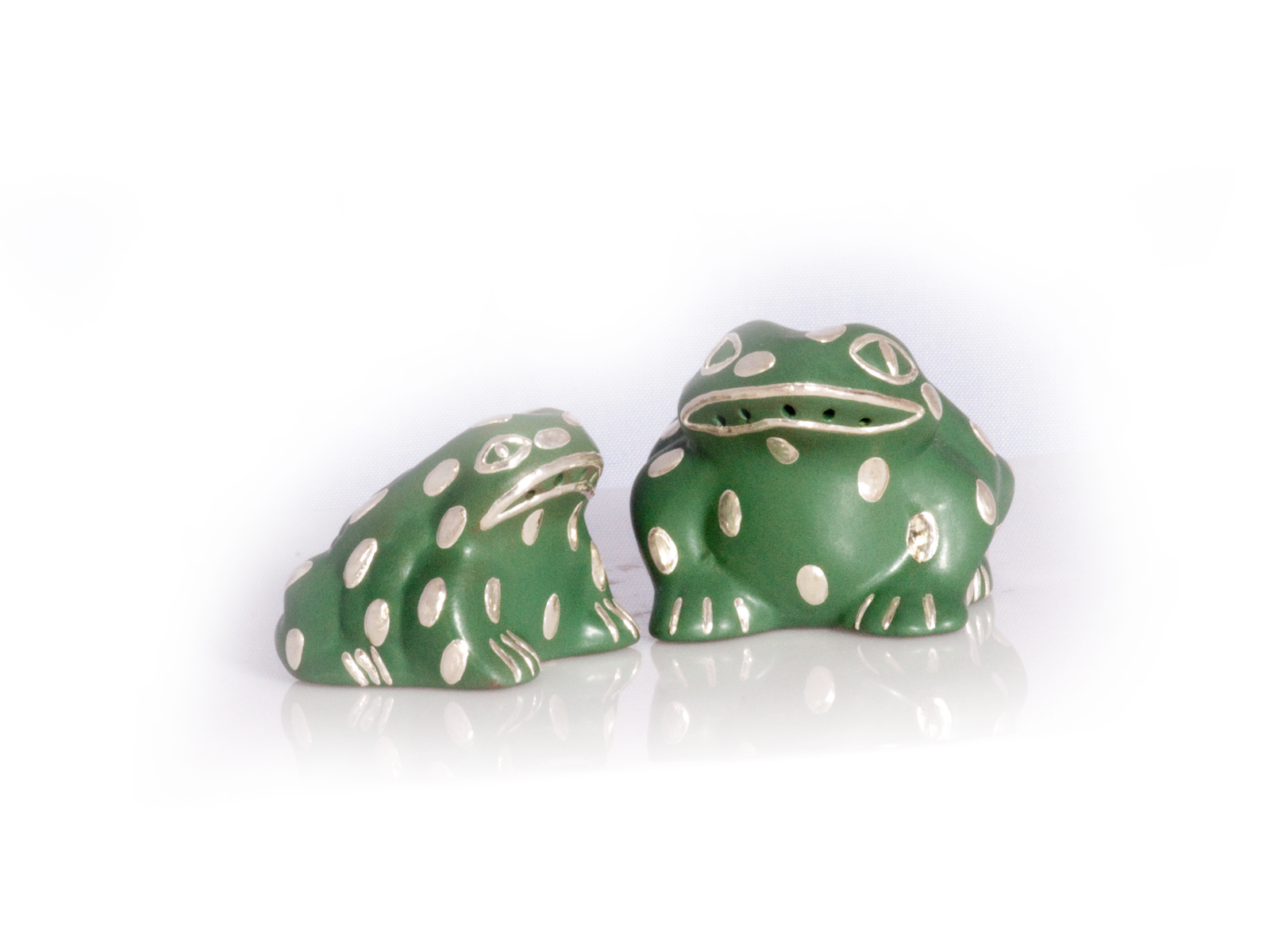 Green Frog Salt Pepper Shakers
