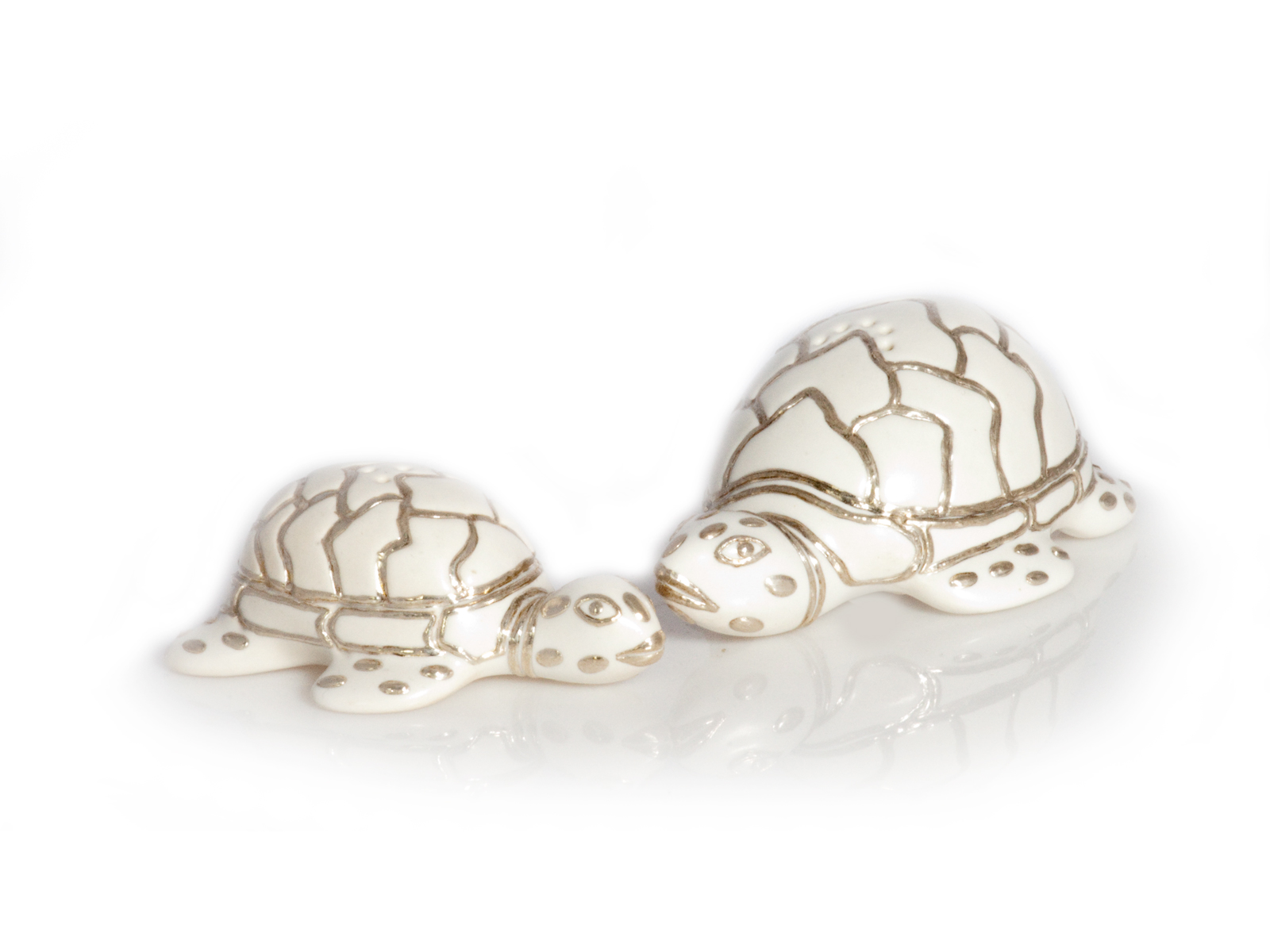 White Turtle Salt Pepper Shakers